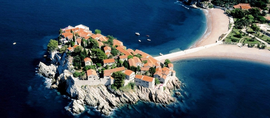 Sveti-Stefan-is-now-an-Aman-Resort-just-south-of-Porto-Montenegro1